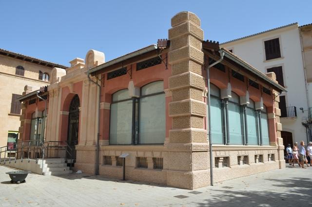 Fischhalle Marktplatz Llucmajor