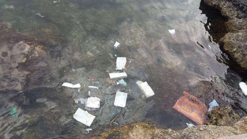 Müll im Mittelmeer Mallorca