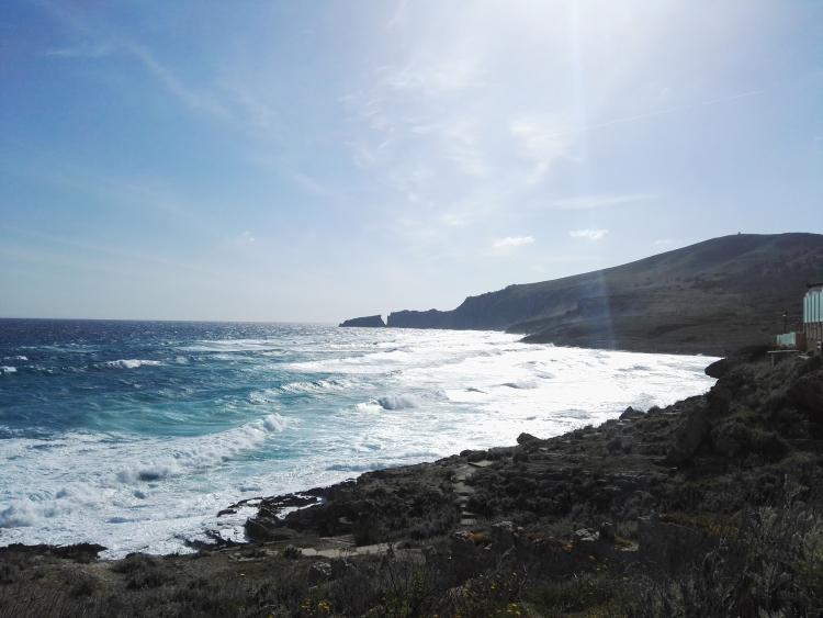 Windiger Tag an der Küste von Mesquida